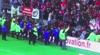 Fransa'da maç esnasında bariyer böyle yıkıldı