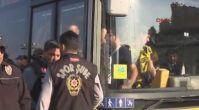 Otobüsün camını kıran taraftarlar stada değil karakola götürüldü