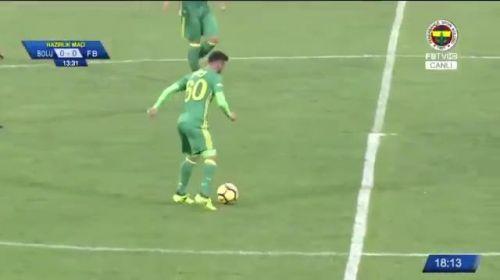 Volkan Demirel 40 metreden gol yedi!