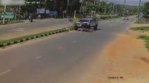 Motosikletliyi ezdi, arkasına bile bakmadı