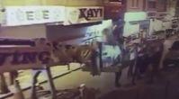 İYİ Partililer bayrak asan AK Partililere saldırdı!