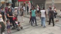 İzmir sokaklarında 'İzmir Marşı' ve 'Çav Bella' ezgileri