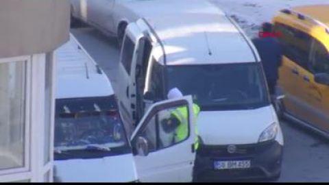 Sivas Haberleri: Polis aracına çarpıp kaçan sürücü, kovalamacayla yakalandı 25